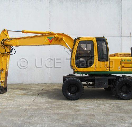 FIAT-HITACHI EX165W mobile excavator