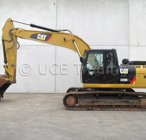 CATERPILLAR 320D2L tracked excavator
