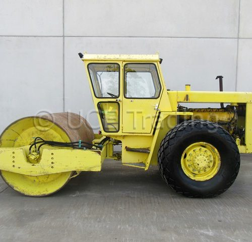 BOMAG BW212 single drum roller