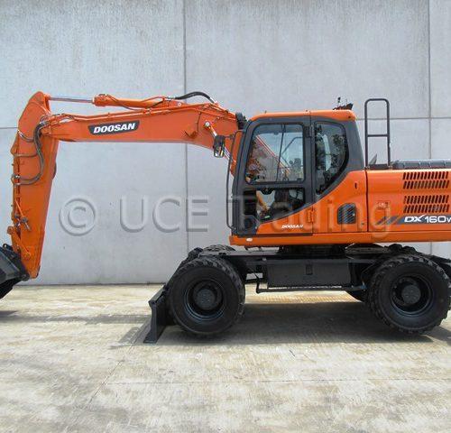 DOOSAN DX160W-3 mobile excavator
