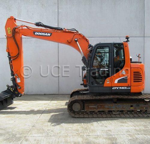 DOOSAN DX140LCR-5 tracked excavator