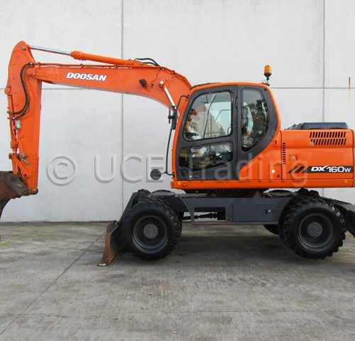 DOOSAN DX160W mobile excavator