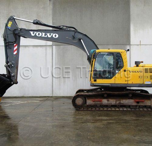 VOLVO EC240BLC